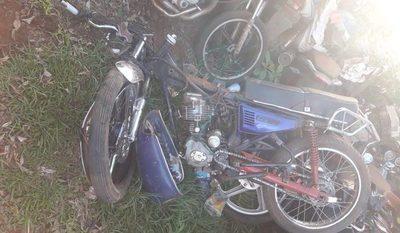 Choque entre motocicletas deja una fallecida