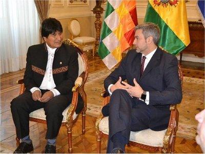 Mario Abdo le ofreció asilo a Evo Morales