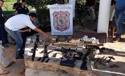 HOY / Caacupé: incautan arsenal de armas de fuego en poder de ciudadano alemán
