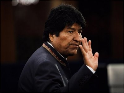 Evo dice que parte para México pero que pronto volverá a Bolivia