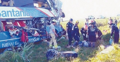 Familiares despiden a las víctimas de la tragedia