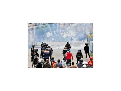 El Alto, tierra de nadie, una ciudad sitiada  por  violencia y barricadas