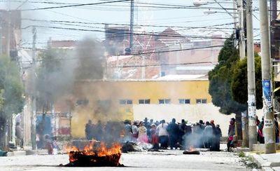 Adherentes de Evo reaccionan y la Policía pide apoyo a los militares