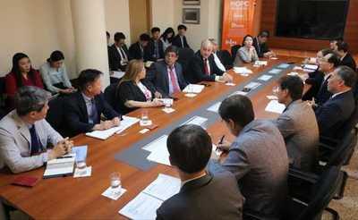 Coreanos tienen interés en proyectos viales y ferroviarios en el país