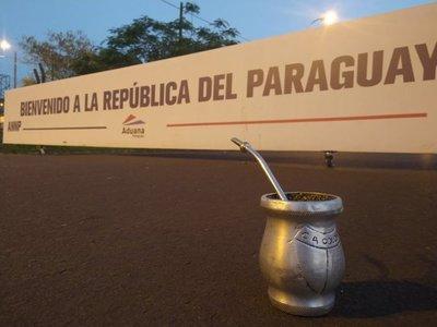 El hilo definitivo: Las experiencias de hinchas de Colón con los paraguayos