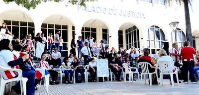 Convocan a tripartita para desactivar huelga judicial