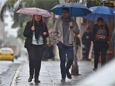 Lluvias y tormentas eléctricas para seis departamentos del país