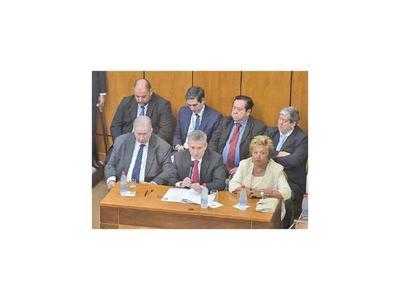 Según Bacchetta, el TSJE no logró revertir cuestionamientos de DNCP