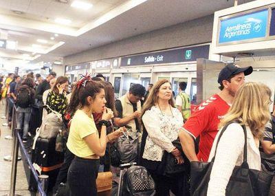 Más de 14.500 varados en Ezeiza y Aeroparque