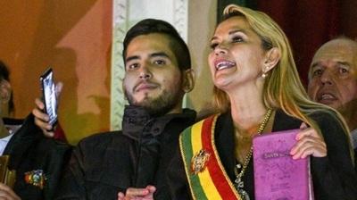 Senadora asume como presidenta interina de Bolivia