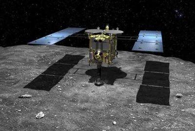 Sonda nipona viaja de vuelta a la Tierra con muestras de un remoto asteroide