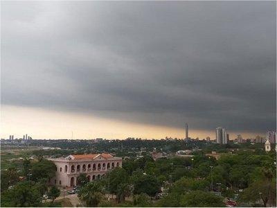 Siete departamentos bajo alerta de lluvias y tormentas eléctricas