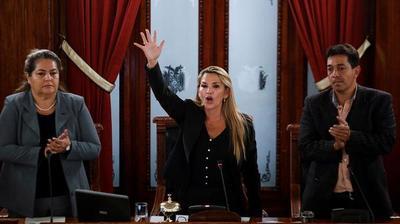 Jeanine Ánez cambió al jefe de las Fuerzas Armadas y dio su primer mensaje a la nación boliviana