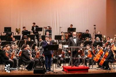 """Este viernes prosigue gira """"Flores del Paraguay"""" en Luque"""
