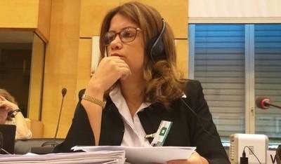 Alejandra Peralta seguirá siendo viceministra 'por ahora'
