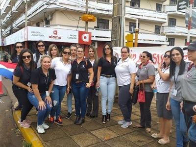 FUNCIONARIOS EN HUELGA PIDEN HABLAR CON ABDO
