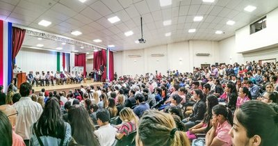 Millonaria entrega de aportes para fortalecer educación, salud y producción en Itapúa