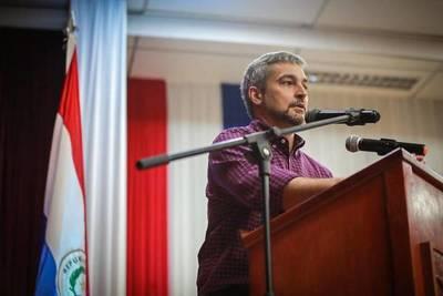 """Marito responde a las críticas: """"Cheo la presidente"""""""
