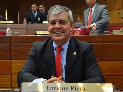 Riera expresó duras críticas a Evo Morales, negando un golpe de Estado en Bolivia