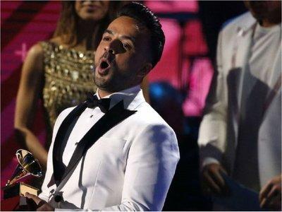 Figuras de la música latina recaudan fondos en Latin Grammy contra párkinson