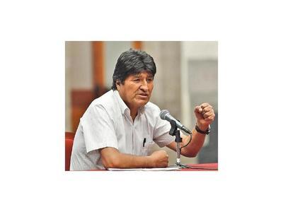 Morales pide mediación de ONU y el Papa