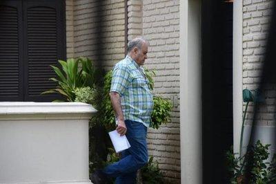 Ordenan detención de Ramón González Daher y de su hijo