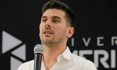 Carlos Viveros pide que las elecciones sean cada un año