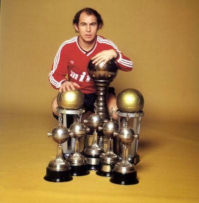 Ricardo Bochini, 8 veces campeón de América