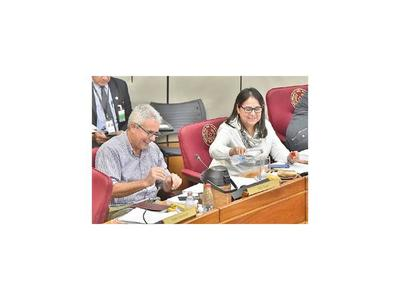 Director de Itaipú interviene ante denuncias de acoso