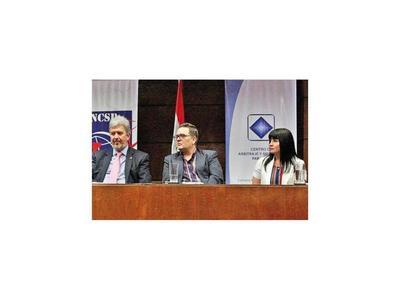 Paraguay puede ser gran exportador de servicios, coinciden