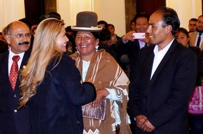 Áñez advierte a Evo que si vuelve a Bolivia deberá enfrentar la justicia
