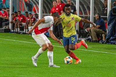 Colombia derrota a Perú en el último suspiro