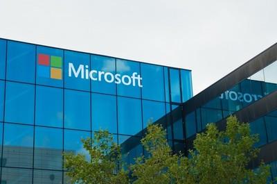 Abanca y jefe de Microsoft en Latinoamérica reciben premios Ponce de León