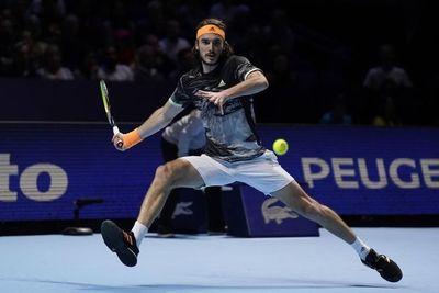Tsitsipas vence a Federer y logra la final por primera vez
