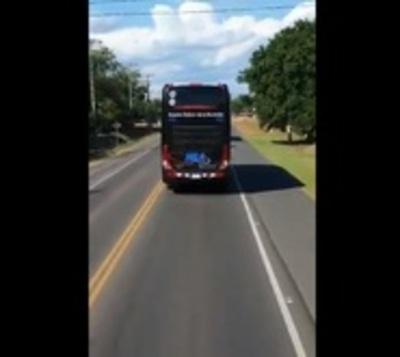 Chofer que no dio paso a bus del Olimpia irá a curso de seguridad vial