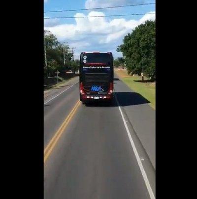 Chofer que no dio paso a bus del Olimpia deberá ir a curso de seguridad vial
