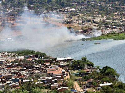 Asunción: Notifican a 56 familias por tirar basura en Laguna Pytã