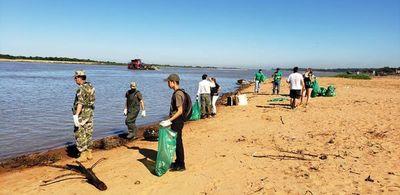 Prosigue limpieza en la ribera del río Paraguay