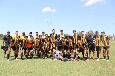 Guaraní, firme en la cima de la Sub 17