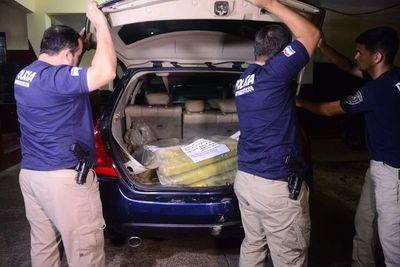 Detienen camioneta con 34 kilos de marihuana en Villeta