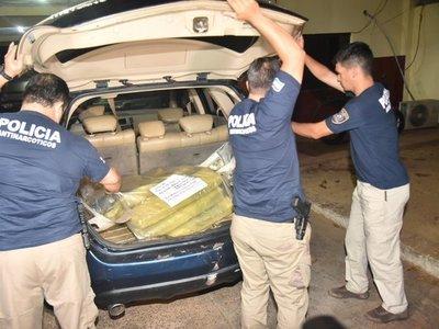 Tres hombres caen con más de 30 kilos de marihuana en Villeta