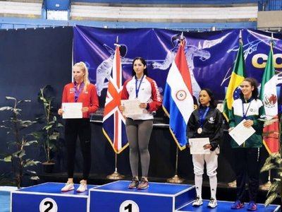 Montserrat Viveros logra oro en la Copa del Mundo Junior