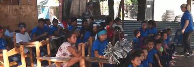 Unos 200 niños cierran el año escolar en el refugio Copaco