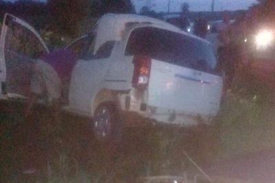 Agente policial sufre lesiones  al atropellar un muro
