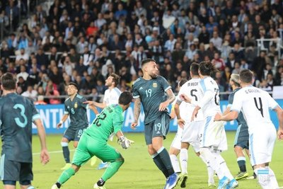 Agónico empate de Argentina ante Uruguay