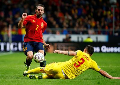 España vence a Rumanía y camina hacia la Eurocopa
