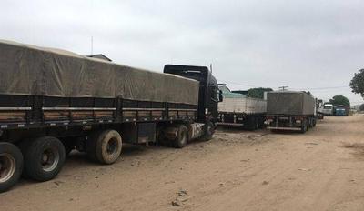 HOY / Camioneros paraguayos deberán seguir en Bolivia 'por seguridad', informa Cancillería