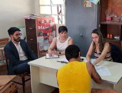 Visitan el Centro Educativo de Itauguá