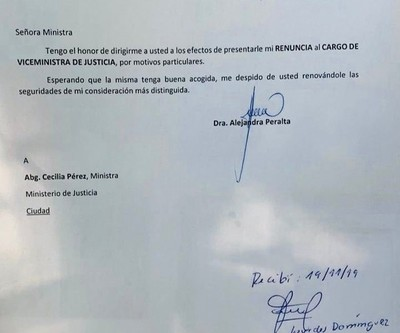 Alejandra Peralta presentó renuncia al cargo de viceministra de Justicia