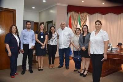 PRIMEROS DIPLOMADOS COMO CONSEJEROS EN TRATAMIENTO DE ADICCIONES CON APOYO DE LA GOBERNACIÓN DE ITAPÚA